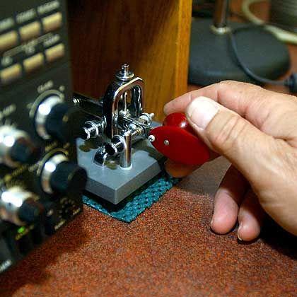 Technisches Fossil: Mit solchen Morse-Tastern begann die elektronische Kommunikation