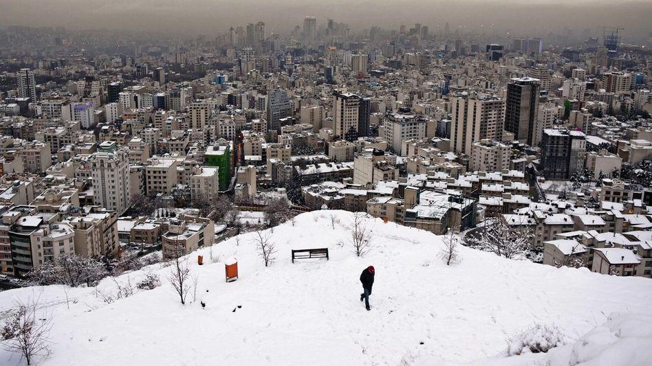 In der Hauptstadt Teheran leiden die Menschen unter dem Embargo.