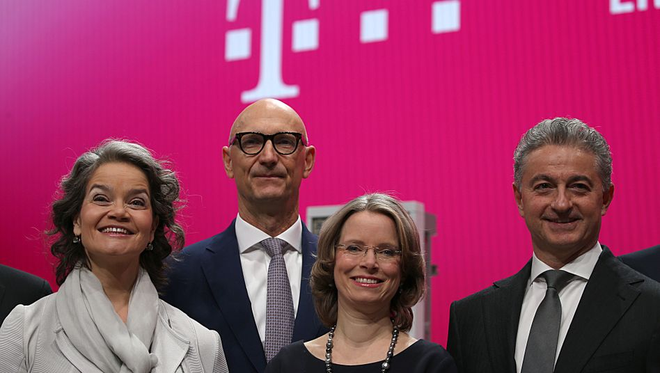 Telekom-Management (Archivbild): Mehr Frauen in Führungspositionen