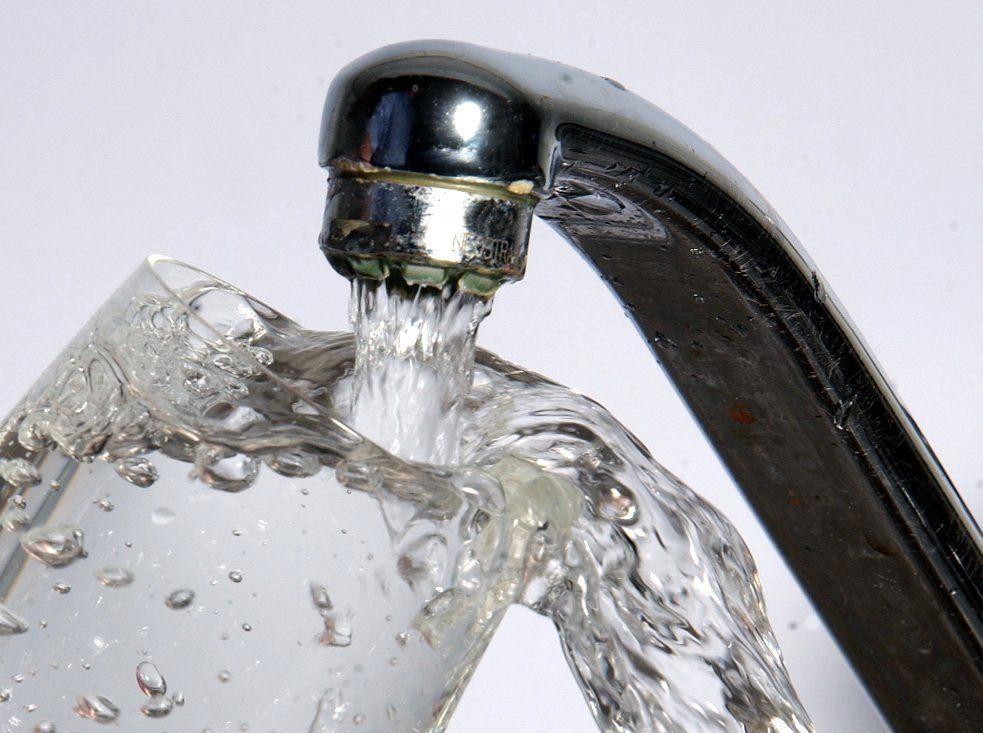 Hohe Keimbelastung im Leitungswasser