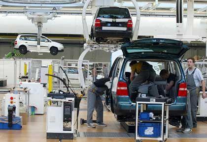 Touran-Fertigung bei Auto 5000: Schlechtere Bezahlung, längere Arbeitszeit