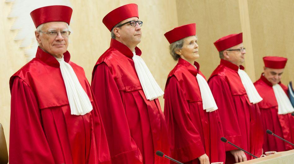Zweiter Senat des Bundesverfassungsgerichts: Kleine Parteien klagen
