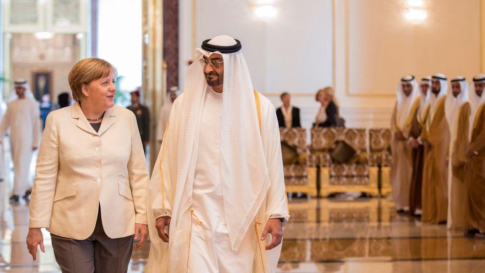Regierungschefin Merkel, Scheich Mohammed in Abu Dhabi
