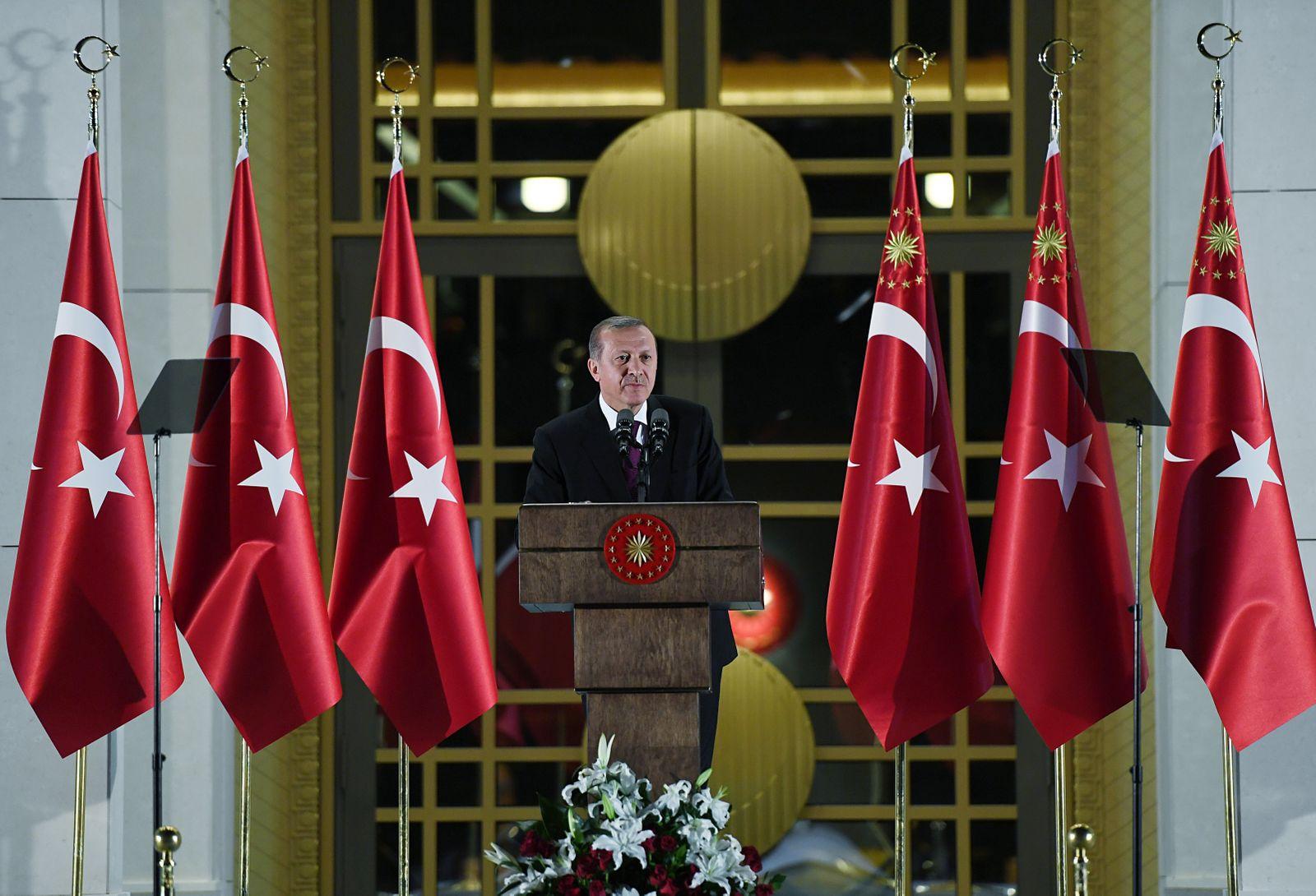Turkish President Erdogan meets opinion leaders on Iftar Dinner in Ankara