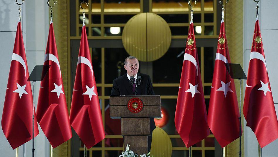 Präsident Erdoğan ist bei der türkischen Jugend zunehmend unpopulär