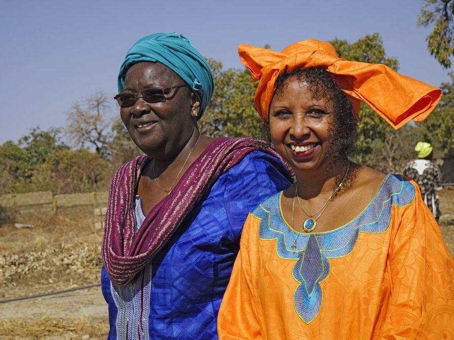 Fadumo Korn (r.) wurde als Kind beschnitten – der Kampf gegen Genitalverstümmelung ist für sie eine Lebensaufgabe