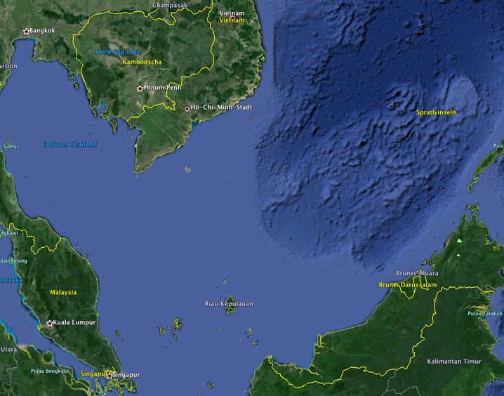 Karte: Das Flugzeug könnte etwa 250 Kilometer vor Vietnam und etwa 190 Kilometer vor Malaysia im Meer abgestürzt sein