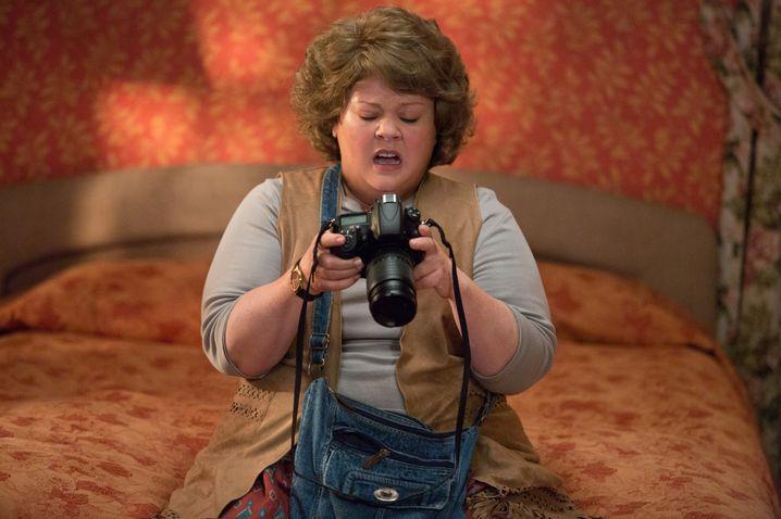 Undercover muss Susan Cooper eine Touristin mit zweifelhaftem Outfit spielen