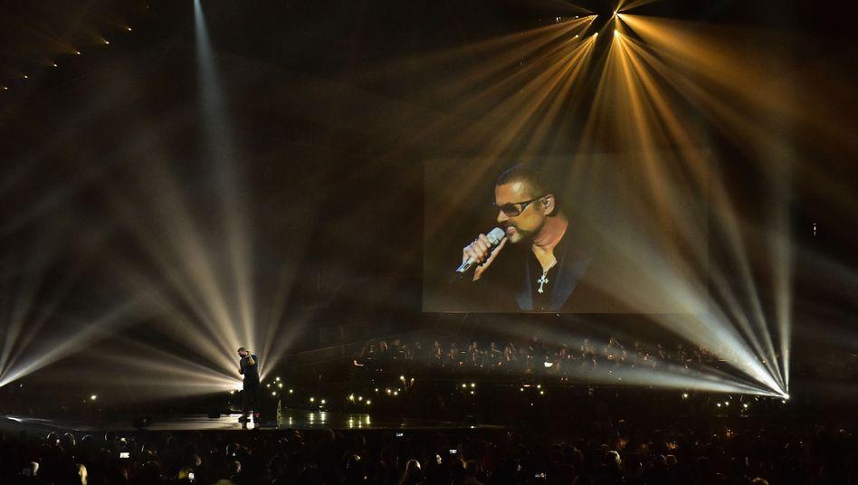 Brit Awards: Preise für DavidBowie, Tränen für George Michael