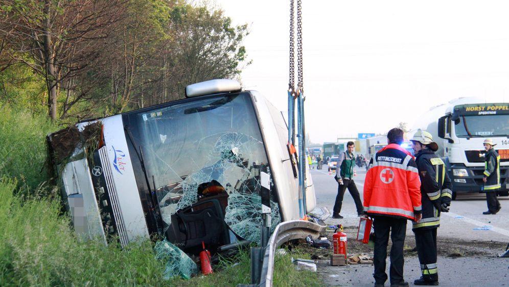 Busunglücke auf Deutschen Autobahnen: Zwei Tote, viele Verletzte