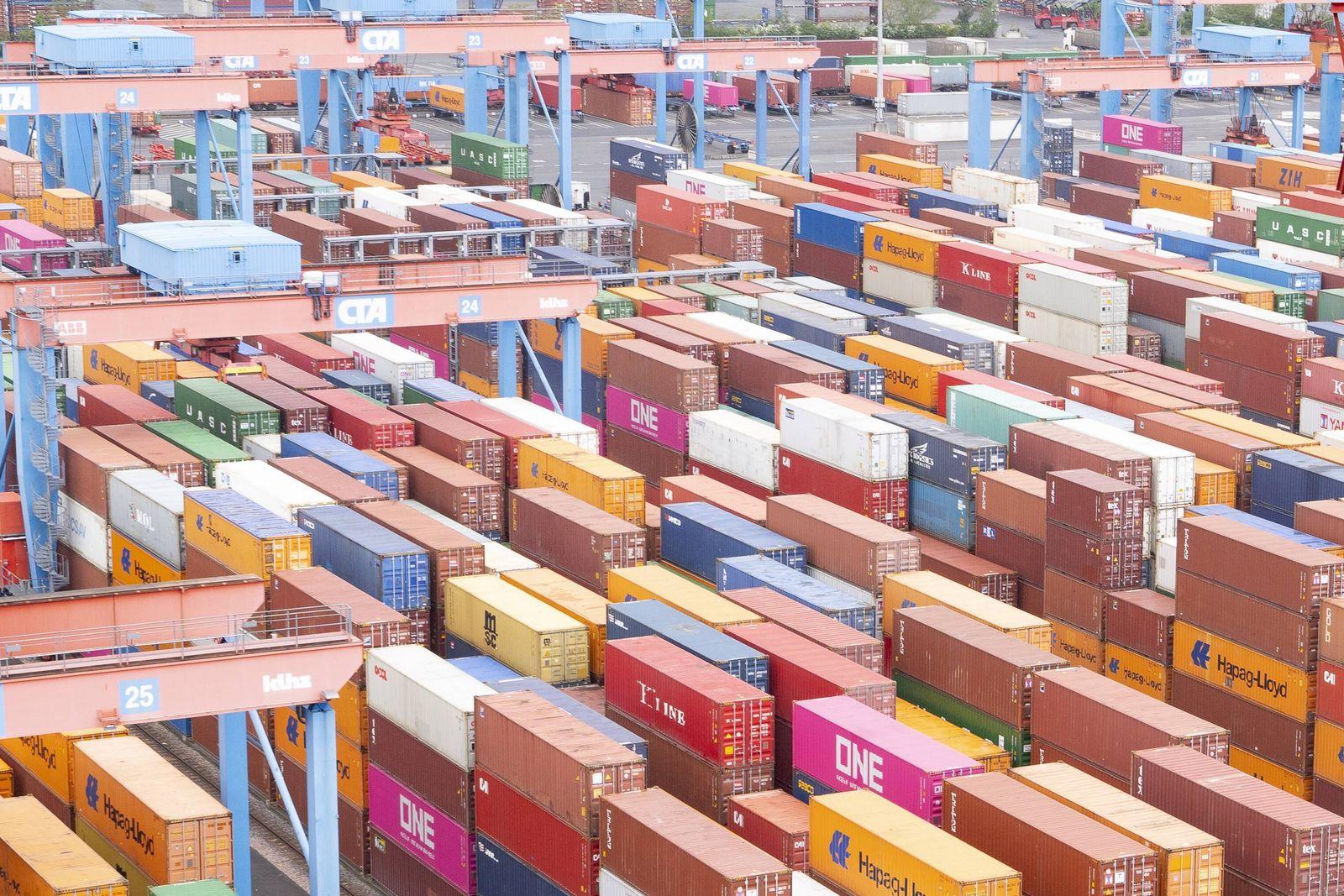 Container Terminal Altenwerder in Hamburg - Hamburger Hafen - Containerbrücke;Container Terminal Altenwerder in Hamburg