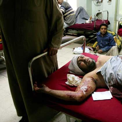 Verwundeter Iraker in Krankenhaus in Bagdad: Tempo und Intensität der Gewalt nehmen zu