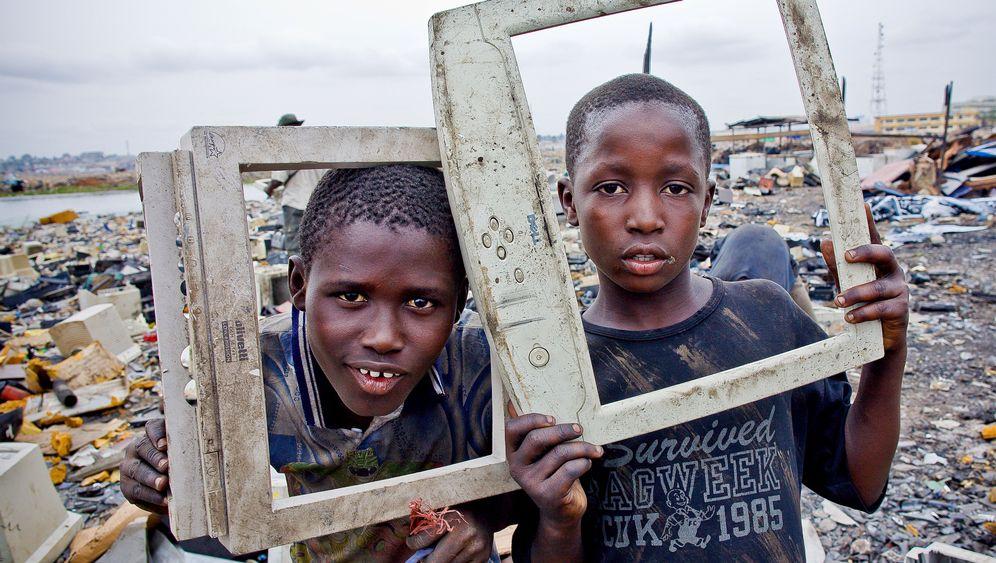 Elektroschrott aus Europa: Kinder auf dem Giftplatz