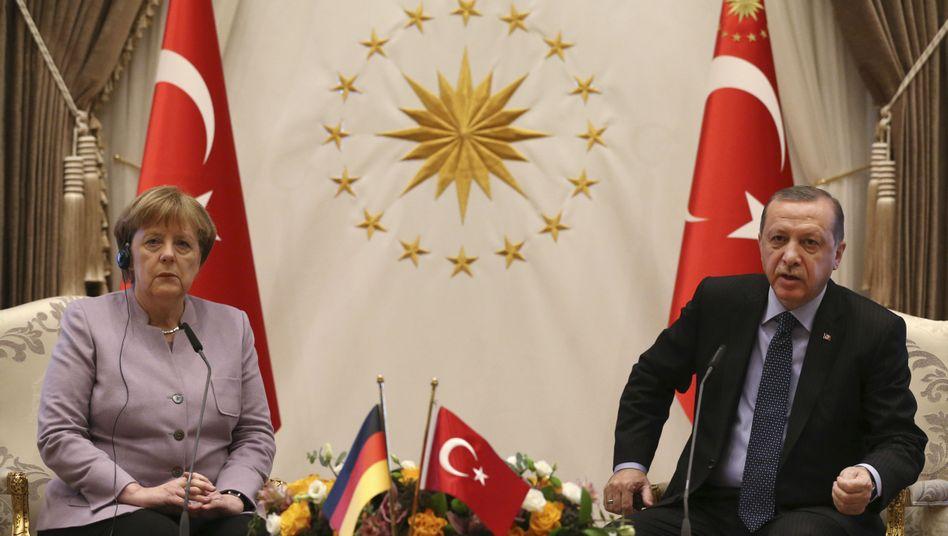 Bundeskanzlerin Angela Merkel und der türkische Präsident Recep Tayyip Erdogan in Ankara, 2. Februar 2017