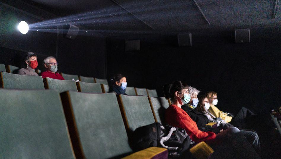 Kinobesucher in Zürich (im November 2020): Weitreichendste Lockerungen in ganz Europa