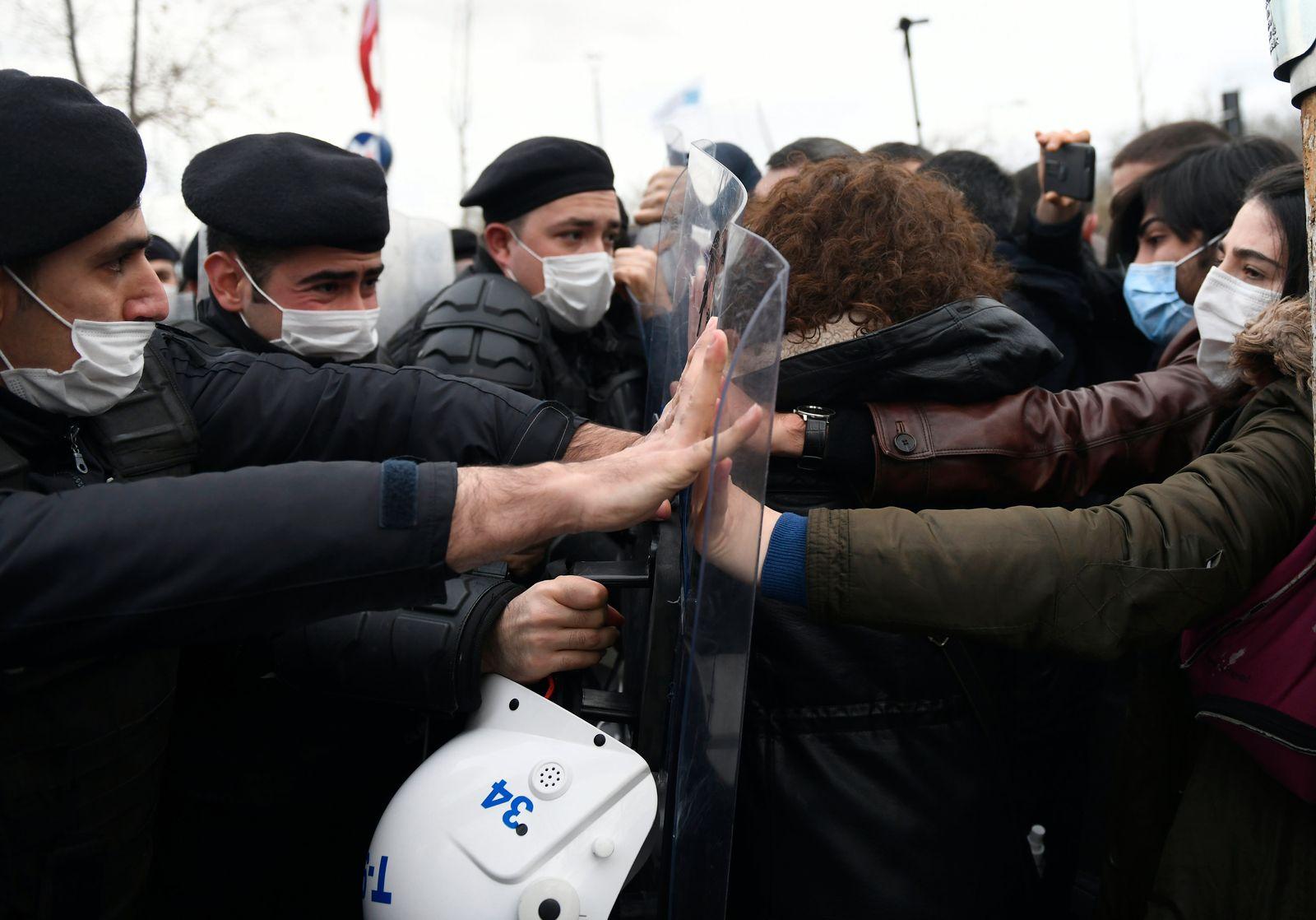 Turkey Students Protest