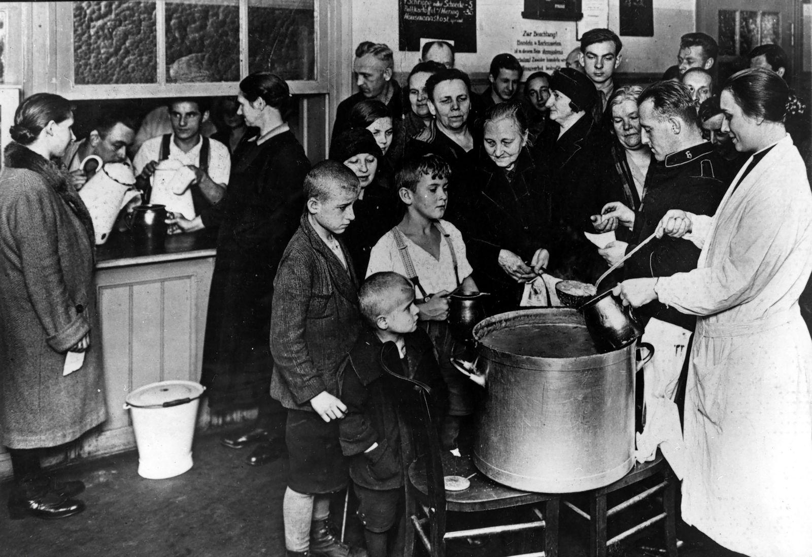 Wirtschaftskrise 1929-1933: Freimahlzeit bei der Heilsarmee in der Dresdener Strasse in Berlin
