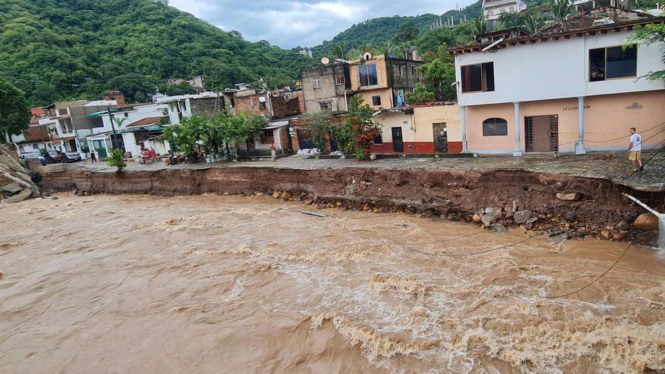Puerto Vallarta in Mexiko: Überschwemmungen, Schäden und Stromausfälle
