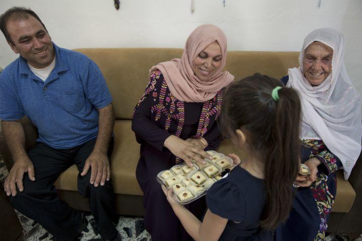 Mitglieder der Tlaib-Familie im Westjordanland feiern den Sieg ihrer Verwandten in den USA