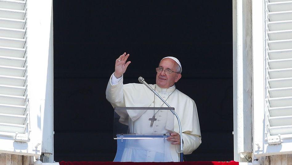 Papst Franziskus beim Angelus-Gebet am 6. Juli: Lösungen für die Zölibatsfrage