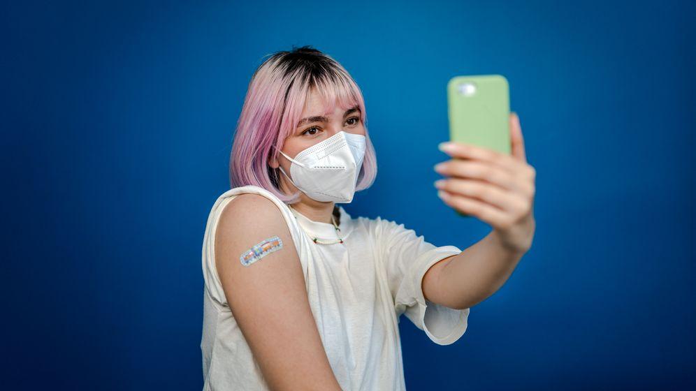 Impfselfies gehören derzeit in den sozialen Medien zum guten Ton