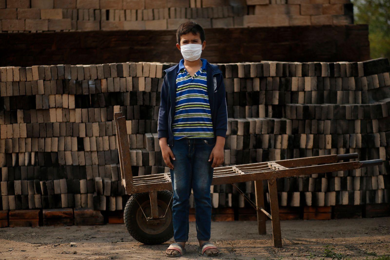 Virus Outbreak Paraguay - Child Labor