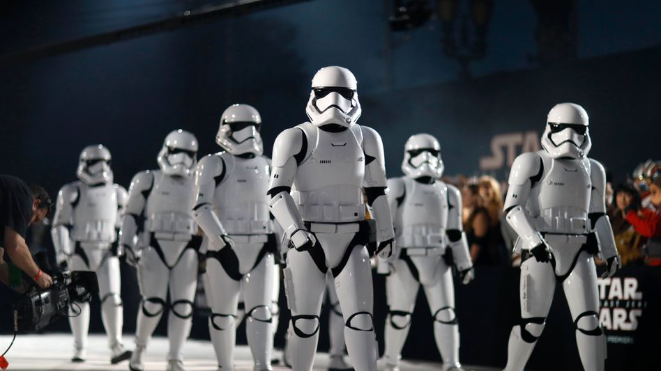 """Stormtrooper (bei der Premier von """"Die letzten Jedi"""")"""