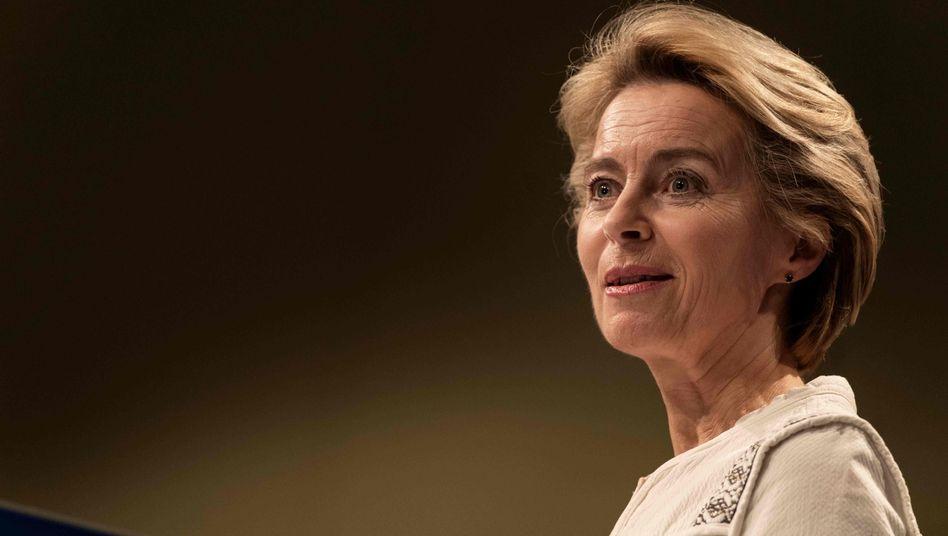 Ursula von der Leyen und das Verteidigungsministerium sehen sich neuen Vorwürfen ausgesetzt