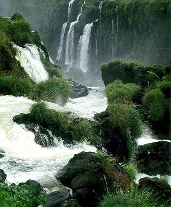 Gigantisches Naturschauspiel: Bis zu 300 einzelne Wasserfälle