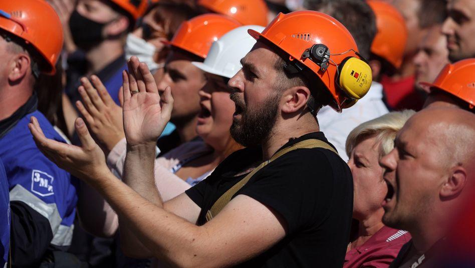 Arbeiter des Düngemittelherstellers Grodno Azot im August