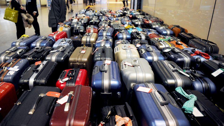Flughafen Narita bei Tokio: Viele versuchen einen Flug in die Heimat zu bekommen