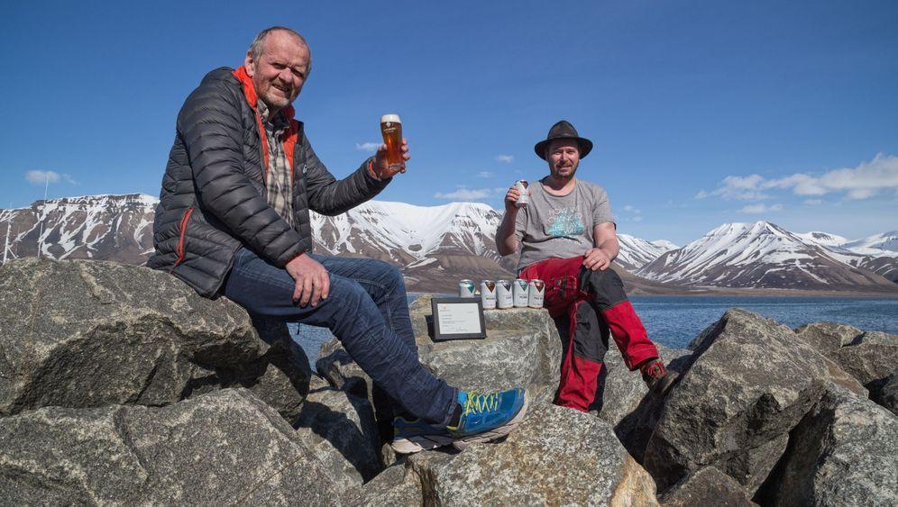 Spitzbergen: Bier, Bergbau und die Bären