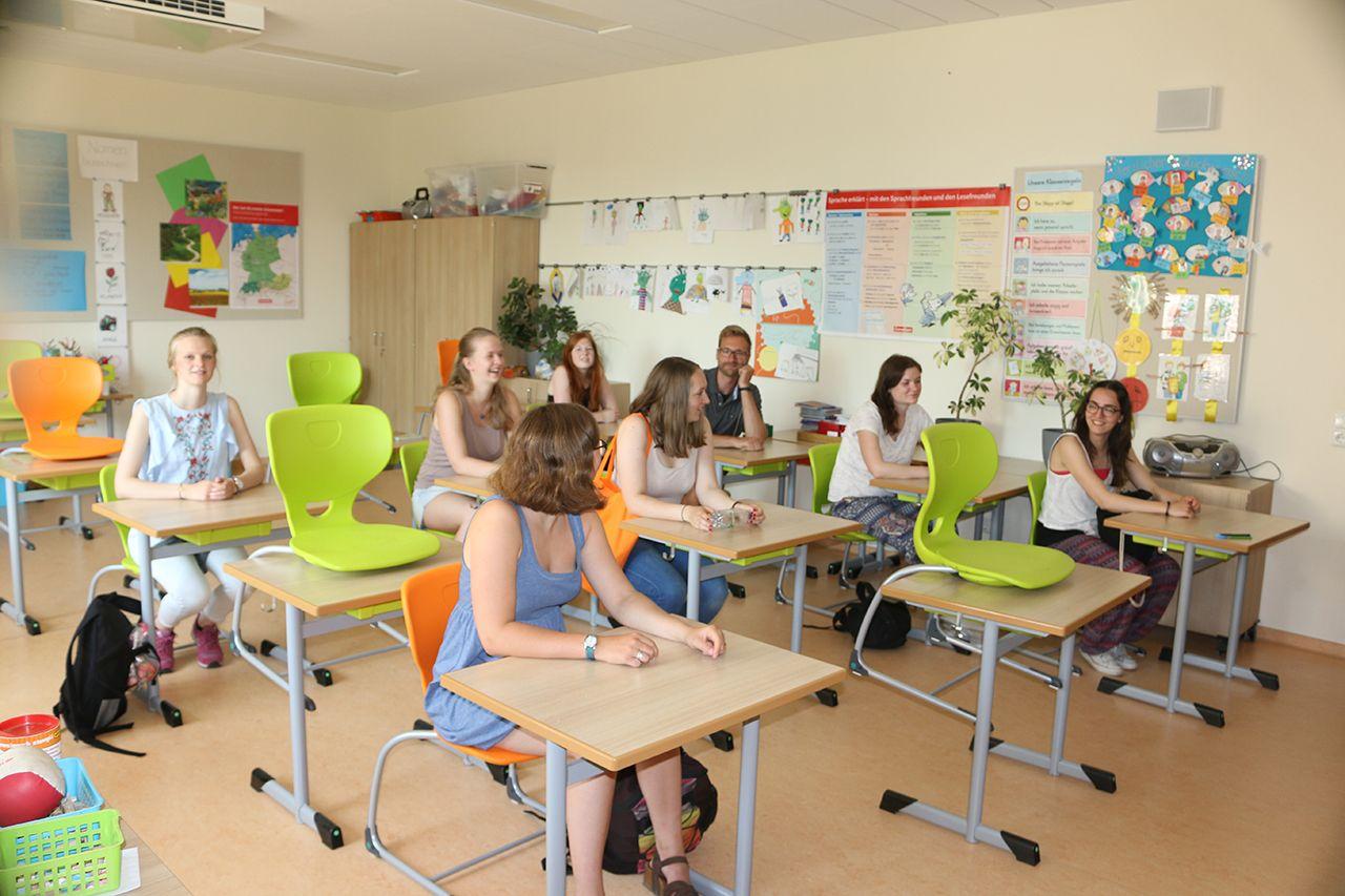 Mecklenburg-Vorpommern/ Landpartie mit Studierenden