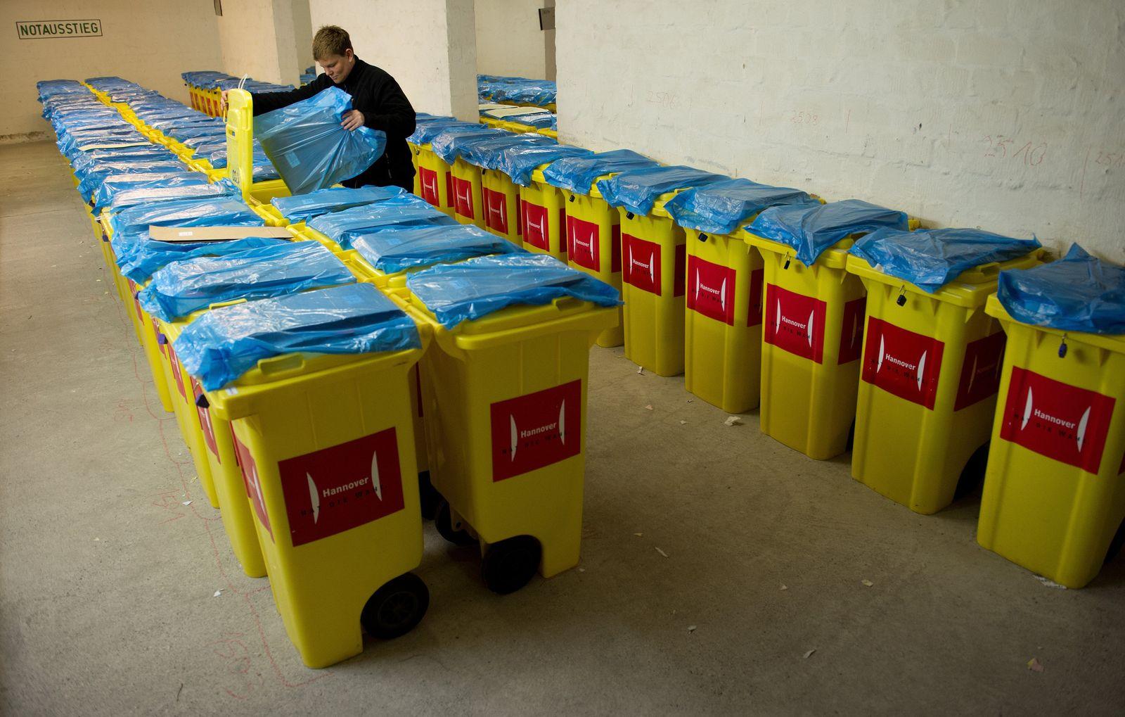 Wahlurnen für Bundestagswahl