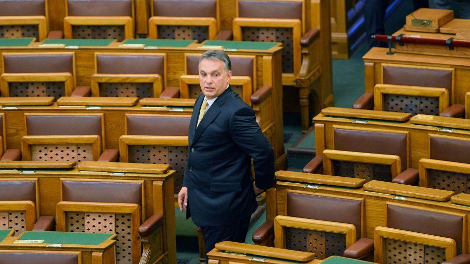 Ministerpräsident Orbán: Seine Partei festigt Mehrheit im ungarischen Parlament
