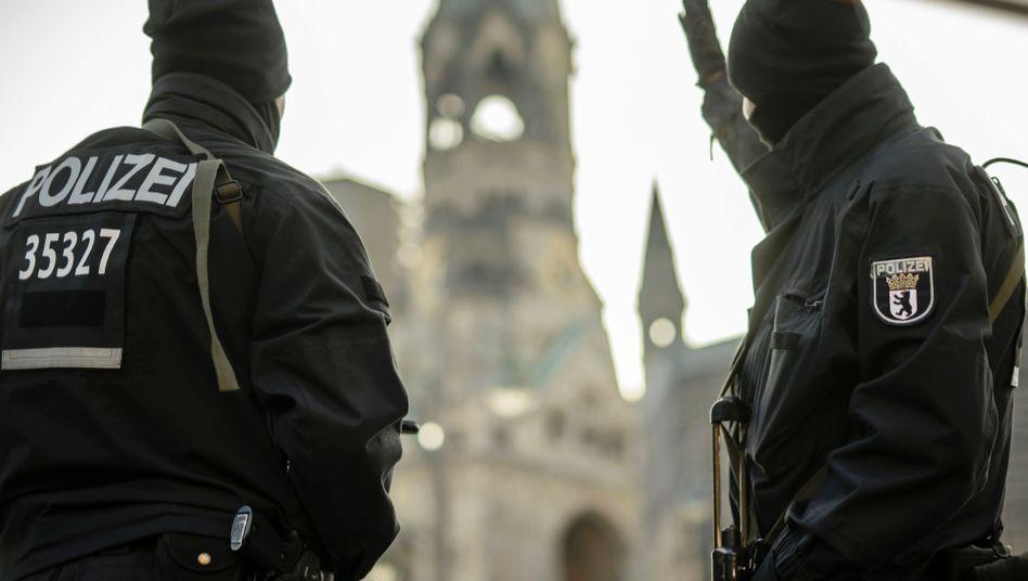 Polizei nahe der Gedächtniskirche in Berlin.