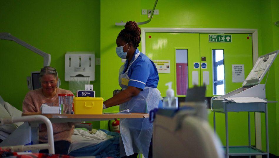 Krankenschwester in einer Klinik in Blackburn
