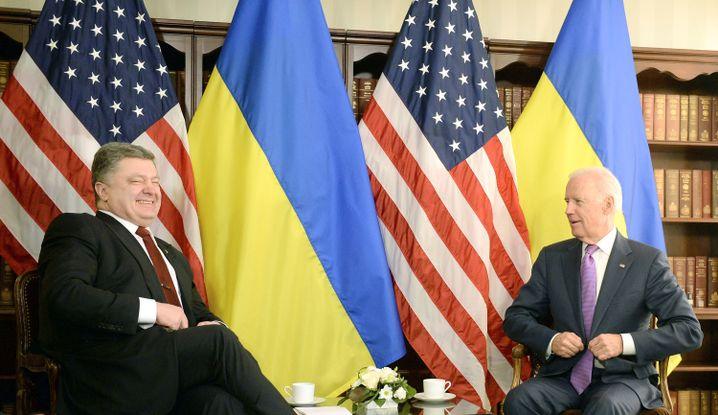 Petro Poroschenko (l.) und Joe Biden in München: Beratungen über Friedensplan