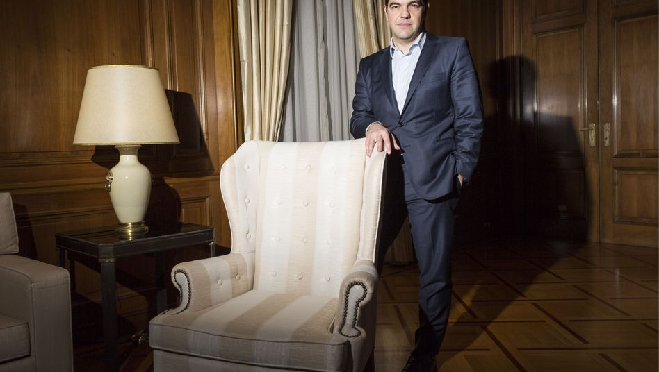 """Greek Prime Minister Alexis Tsipras in his office in Athens: """"I believe that the euro zone is like a wool sweater: When it starts to unthread, then it can no longer be stopped."""""""