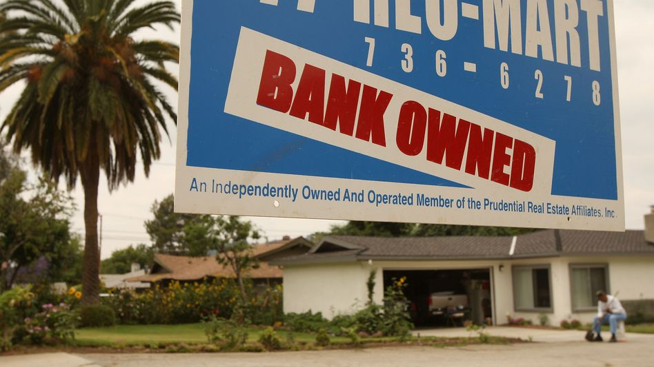 A home in Pasadena, California that was turned over to a bank after foreclosure in 2009.