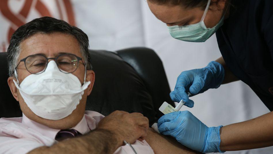Teilnehmer einer Impfstoffstudie mit der experimentellen Biontech-Vakzine (in der Türkei)