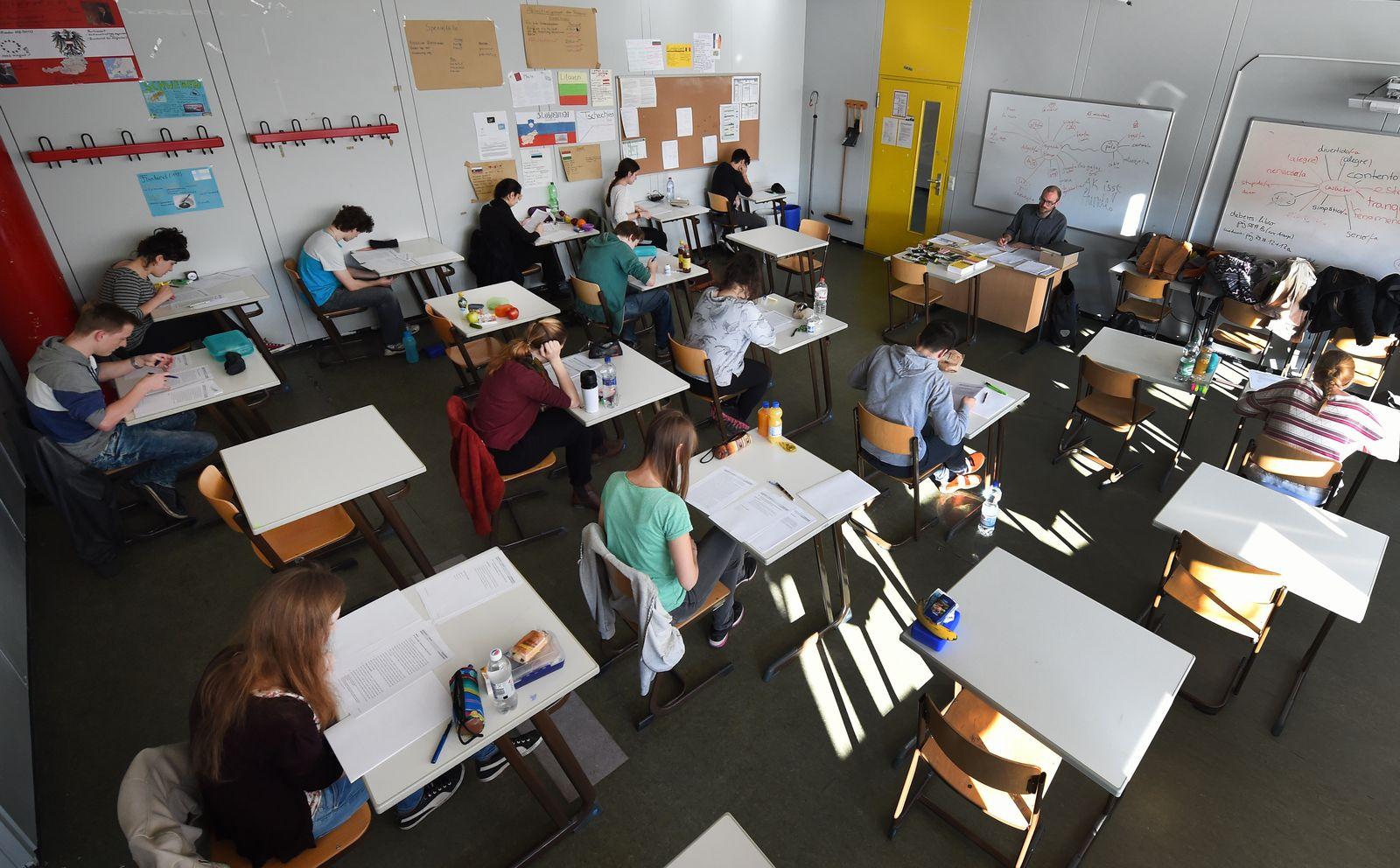 Zentralabitur/ Klassenraum