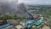 Mehr als 50 Menschen sterben bei Fabrikbrand