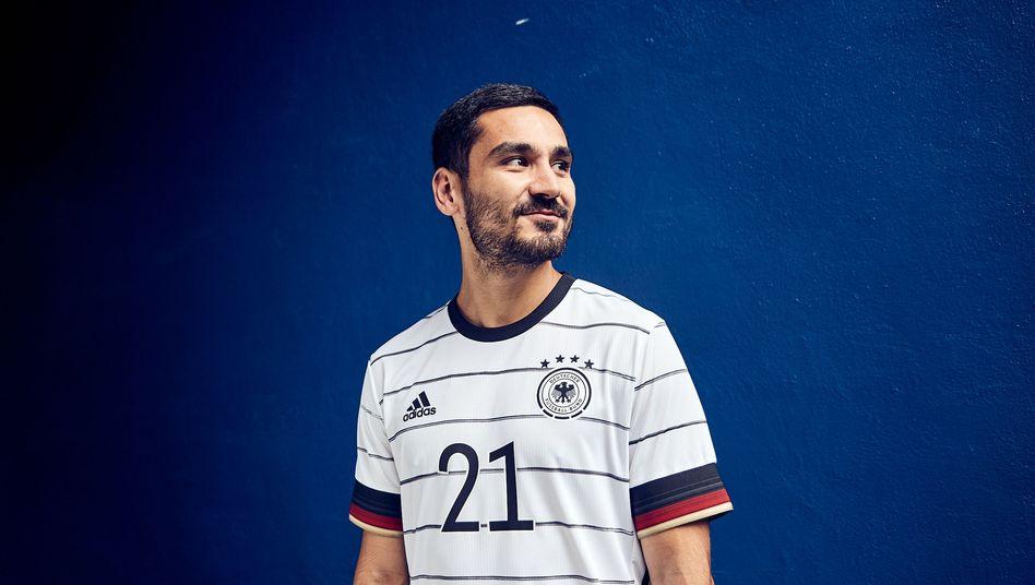"""Nationalspieler Ilkay Gündogan im neuen Dress: """"Dynamischer Farbverlauf"""""""