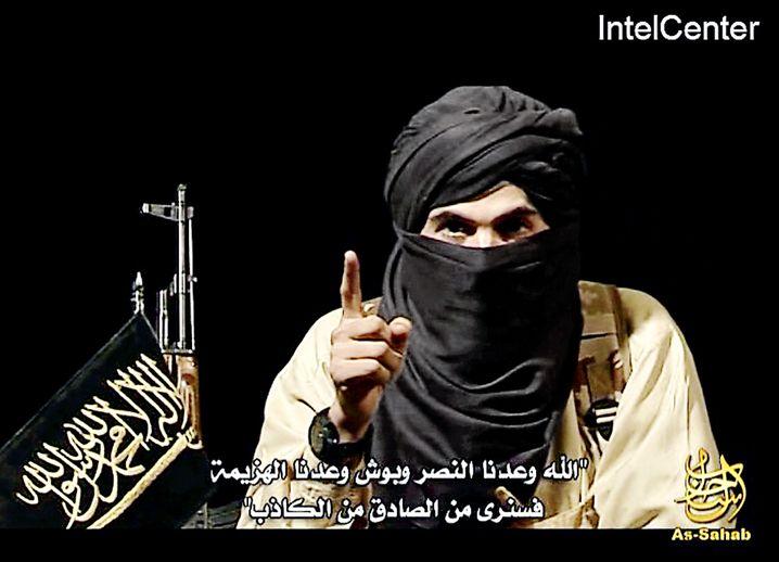 An Islamist threatens Germany in a propaganda video for al-Qaida.