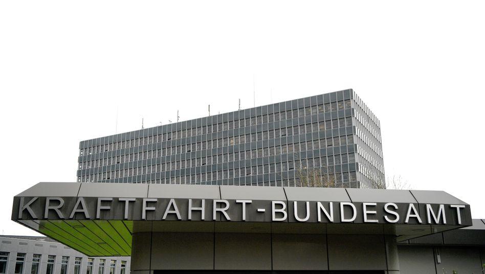 Eingang zum Kraftfahrt-Bundesamt