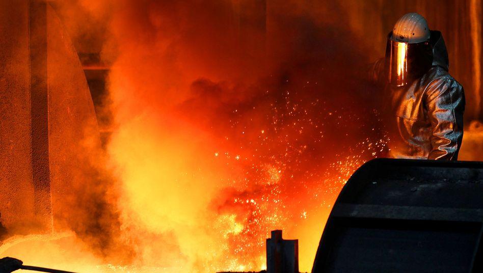 Stahlproduktion (bei ThyssenKrupp): Industrie fordert Schutz gegen chinesische Importe