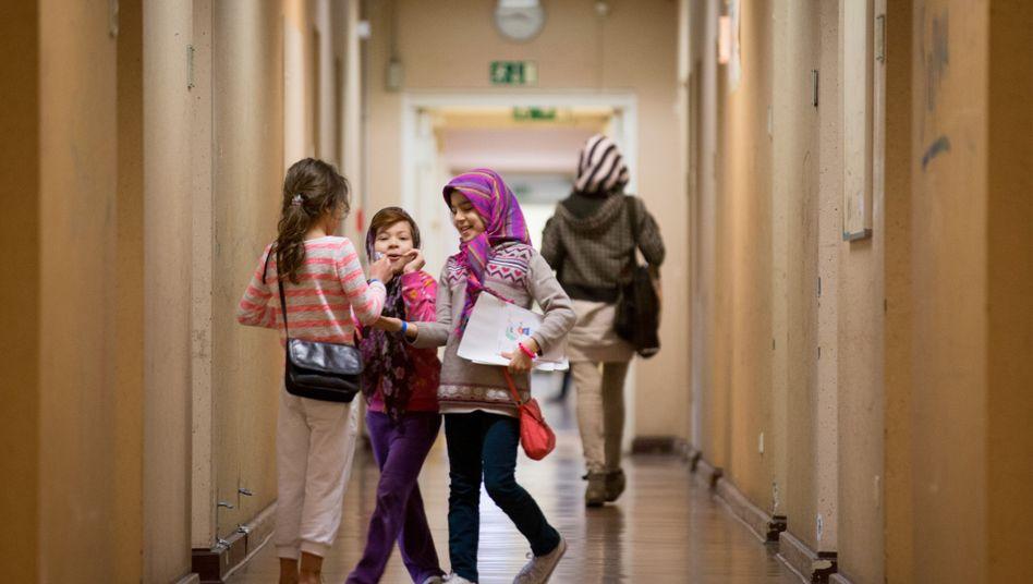 Flüchtlingskinder in einer Notunterkunft in Berlin-Wilmersdorf