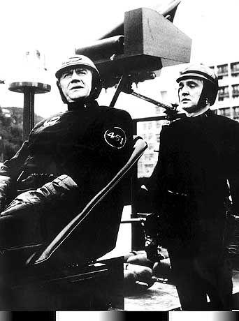 Fahrenheit 451: Oskar Werner als Feuerwehrmann Montag (rechts, neben Cyril Cusack als Captain)