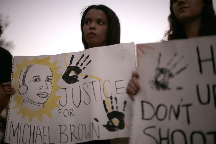 Aus den Augen, aus dem Sinn: Demo für Michael Brown (im November)
